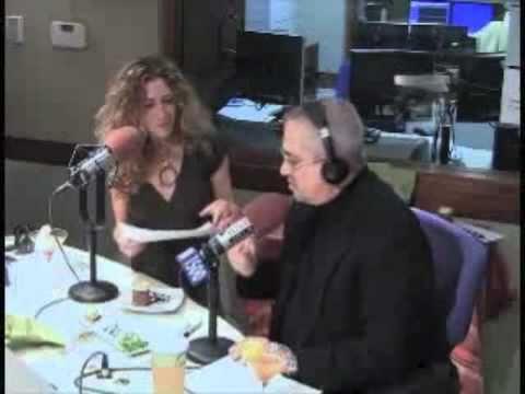 Elizabeth of Elizabeth's Gone Raw Interview with N...
