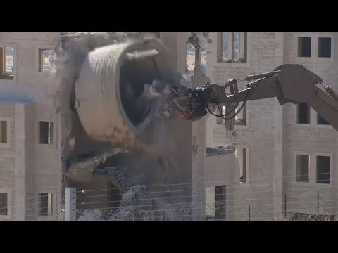 Israel Demolishes East Jerusalem Palestinian Homes