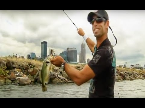 Mike Iaconelli's City Limits Fishing: Bass Fishing On Lake Erie