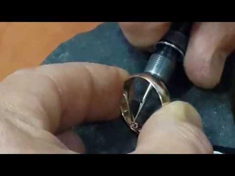 Ручная гравировка обручальных колец.