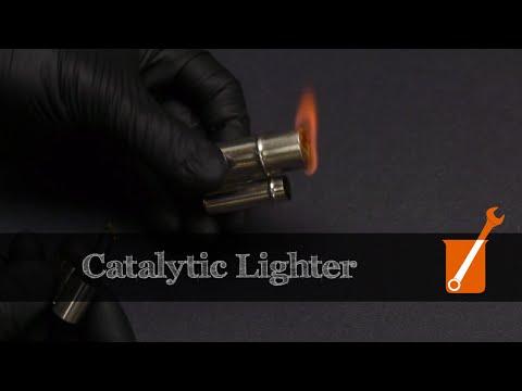 Catalytic cigarette lighter
