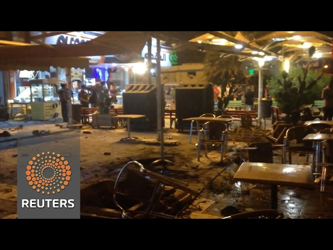 Deadly car bombs hit Ramadan crowds in Baghdad