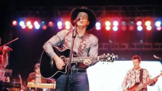 Clay Walker Summer Tour - Navajo Nation Fair Live Video - Right Now