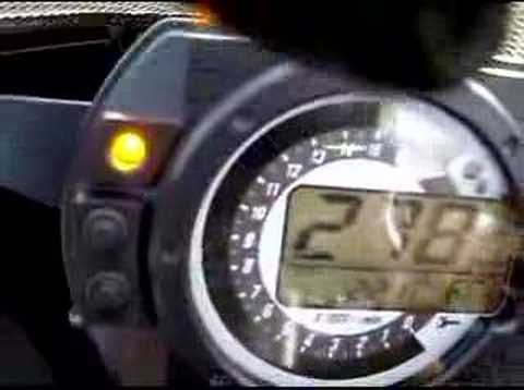 Kawasaki ZX636R 2006 exhaust Akra top speed - YouTube