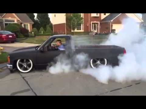 Bagged c1500 Sierra lays frame York 210 - YouTube