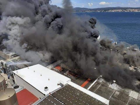 Nuevas imágenes del incendio en las instalaciones de Jealsa en Boiro