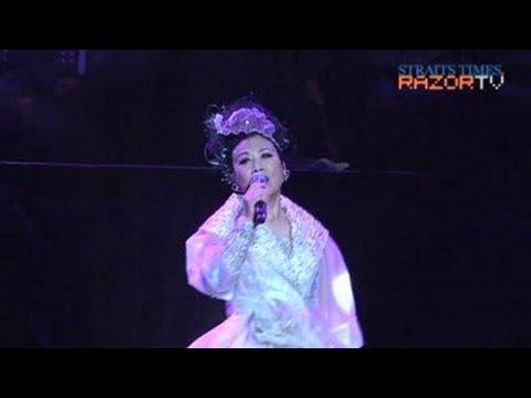 Liza Wang sings 月儿弯弯 (Adam Cheng & Liza Wang Pt 7)