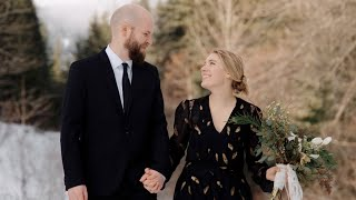 Snowy Washington Winter Elopement on Snoqualmie Pass