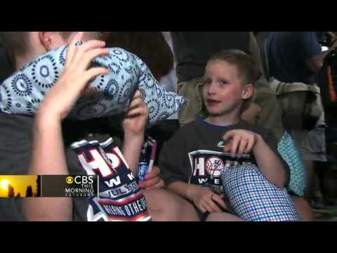 Yankees honor 10-year-old girl's pillows of love campaign
