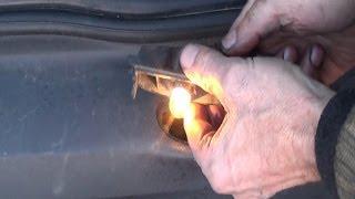 Réparer un connecteur électrique d'éclairage de plaque d'immatriculation