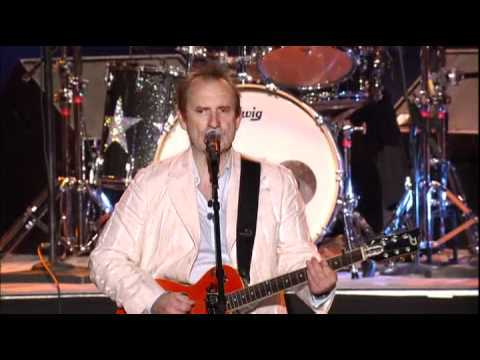 Ringo Starr & His All Starr Band feat. Colin Hay - Who Can It Be Now? (2008)