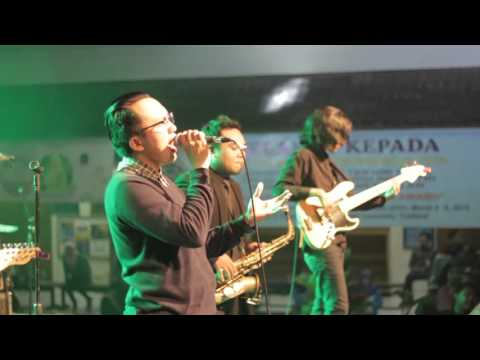 Saturday Ice Cream Band - Cinta Itu Indah ( live concert) @FKIP UAD