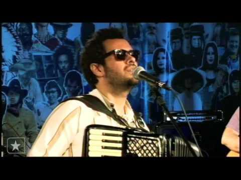 Marcelo Jeneci em Pra sonhar no Estúdio Showlivre