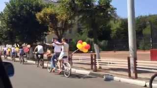 Свадебный кортеж - велосипеды!