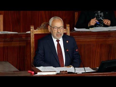 تونس: حركة النهضة تكلف الغنوشي بالتفاوض مع الرئيس والأحزاب لإيجاد بديل للحكومة  - نشر قبل 11 ساعة