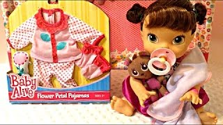 장난감에서 아기 살아있는 꽃잎 잠옷 내 아기에있는 모든…