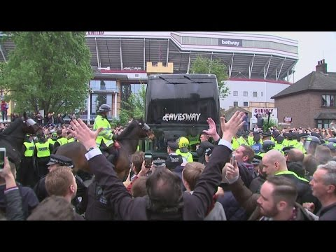Man United bus attacked before historic West Ham game