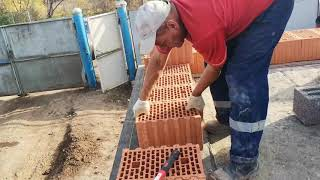 #Строим дом. Раскладываем 1-й ряд керамических блоков Керакам.