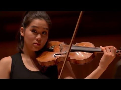 Esther Yoo plays Sibelius' Violin Concerto in D minor