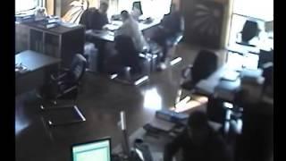 Evtik Izdırap Dizeoğlu, oturup kalktığı video.