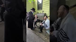 Kiryas Woodbourne shul under the beloved rabbi jungreis of niklesburg(3)