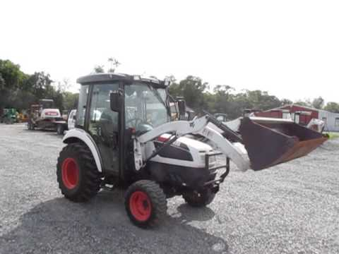 Nice Bobcat CT335 4x4 Compact Tractor w/ Loader & Cab