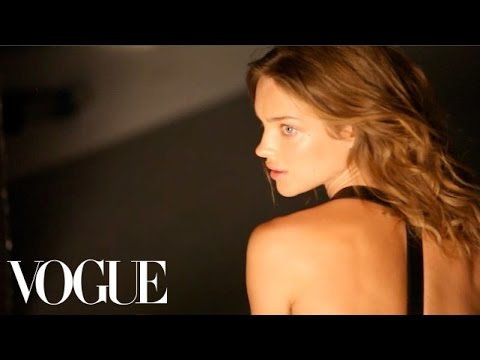 "Gisele Bündchen, Lara Stone, And Daria Werbowy In ""Bodies Of Work"" - Vogue Diaries"