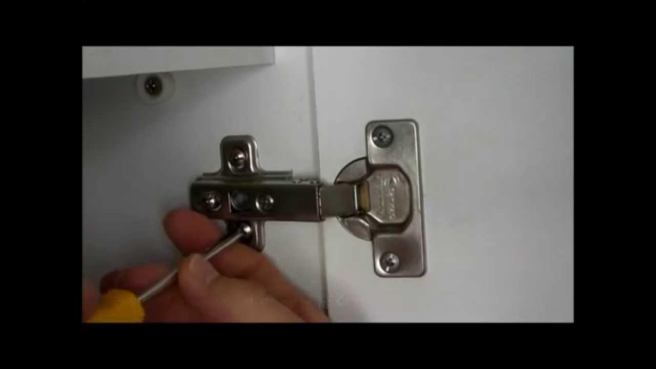 Cerniere Per Ante Cucina Ferrari.Regolazione Cerniere Ante By Aggiustatutto It Youtube