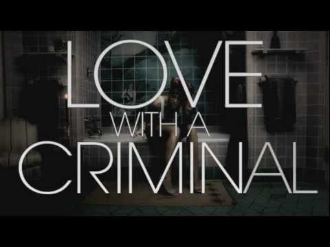 Miley Cyrus is in love with a criminal