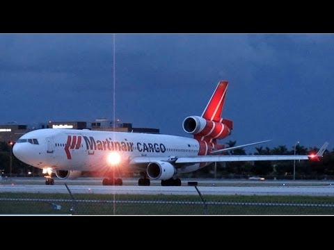 Fully-Loaded MD-11 Uses Entire Runway In Miami (Martinair Cargo)