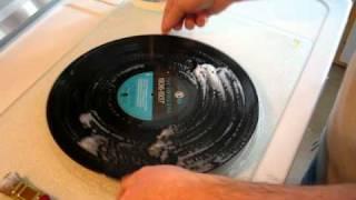 Comment laver un vinyl / How to clean a vinyl (FR)