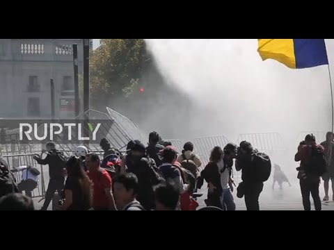 Chile: 'Education is in crisis' - Thousands of Santiago students demand free university