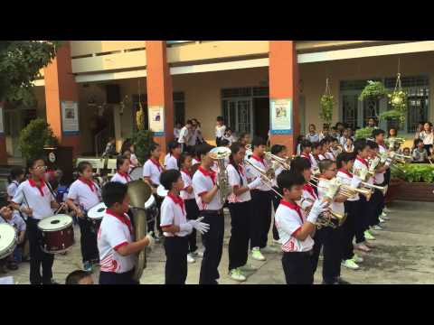 Đội nhạc kèn Võ Thành Trang giao lưu đội nhạc kèn TH Tân Hoá