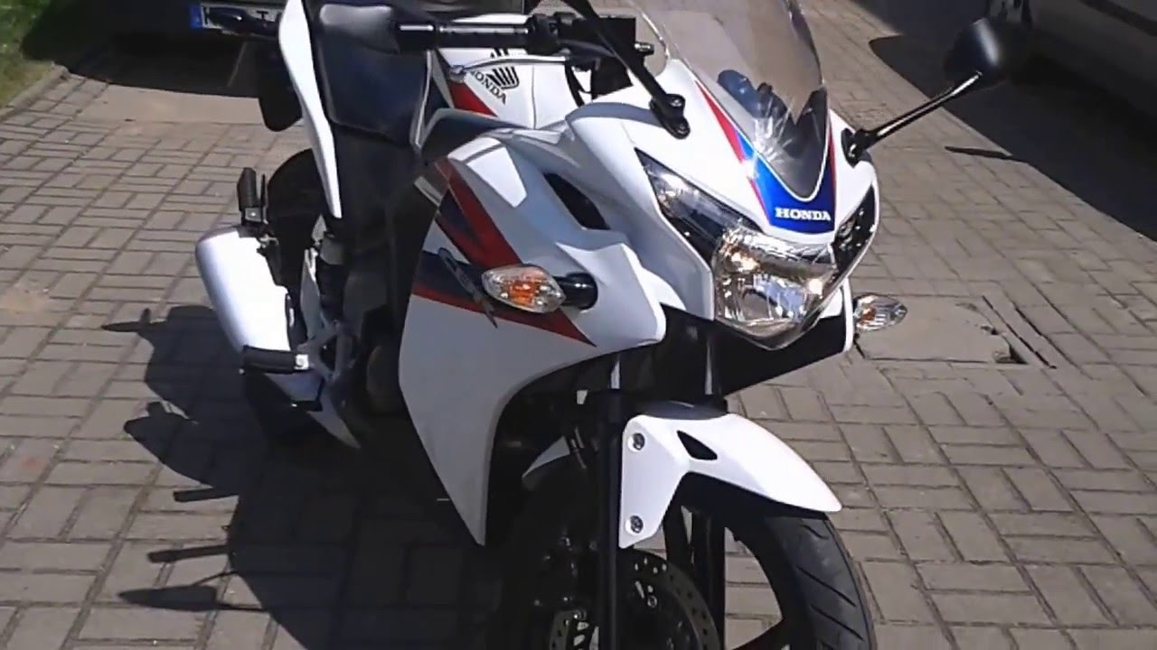 honda cbr 125 r jc50 baujahr 2013 test youtube. Black Bedroom Furniture Sets. Home Design Ideas