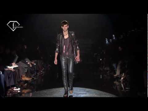 fashiontv | FTV.com - MILAN MAN F/W 2009-10- GUCCI