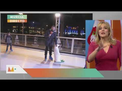 Pista de hielo ecológica en la Plaza Circular de Murcia