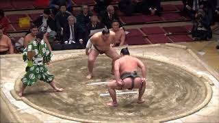 2018年2月4日に行われた朝赤龍引退相撲。 三段目・幕下の力士が東西5人...