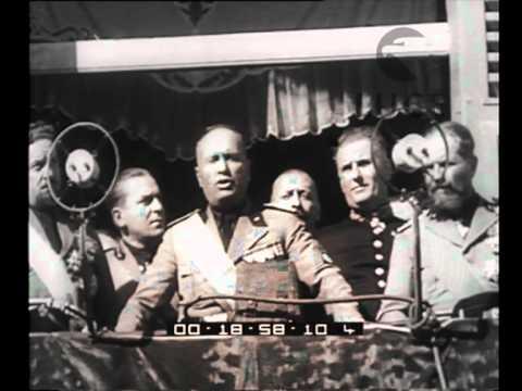 Forlì. Il Duce assiste all'inaugurazione del monumento ai caduti in guerra ed ai martiri della