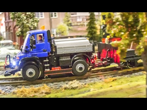 AWESOME large scale model railway! Trains and more in LGB G scale!