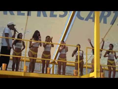 Veronica Maya e La Mario piedi nudi e Shoes Off (12.06.17 ...