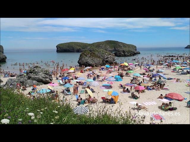 Playa de Borizu: bonita playa con aparcamiento fácil incluso en agosto. En el pueblo de Celorio.