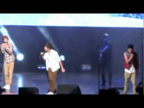 Use Somebody (cover)- One Direction in Tampa