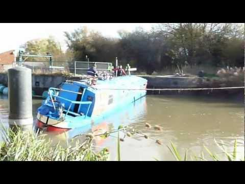 Narrow boat at Ditchford Lock Wellingborough finally recovered