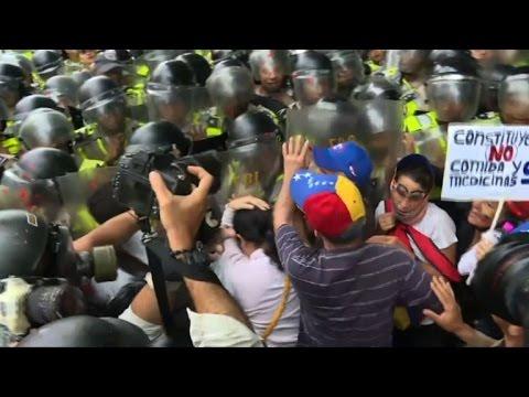 Elderly Venezuelans demonstrate against Maduro in Caracas