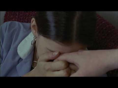 Everybody Hurts (Heavy 1995) Liv Tyler
