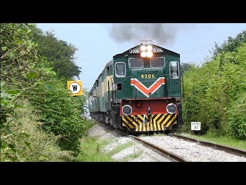Pakistan Railways [Awam Express] Beautiful Views