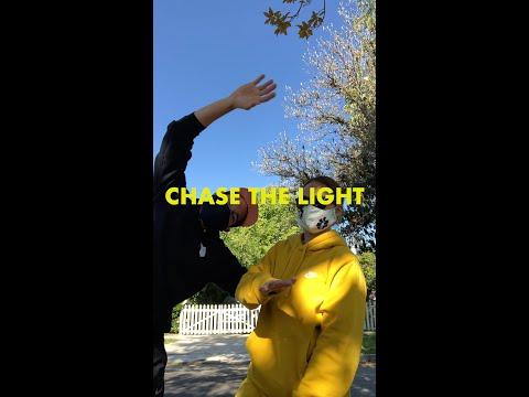 Matt Wertz - Chase the Light mp3 ke stažení