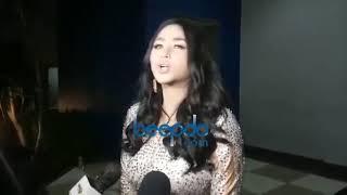 Download Video Dewi Perssik Tantang Keponakannya Sampai Pengadilan MP3 3GP MP4