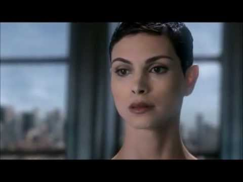 Anna Morena Baccarin has no mercy in 'V'