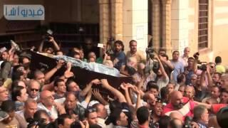 بالفيديو: لحظة خروج جثمان وائل نور من مسجد السيدة نفيسة إلي مثواه الأخير
